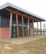 V.I.T.E. effectue l'isolation par l'extérieur du nouveau centre de loisir d'Auneuil, Oise.
